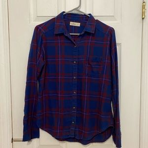 Hollister Plaid Shirt in Small